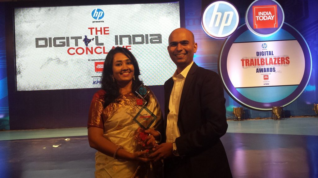 Thinksharp Foundation Founder Mr.Santosh and voulnteer Dr.shraddha with award on behalf of all Thinksharp Foundation team
